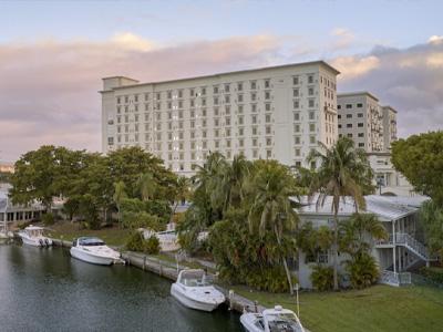 THesis-Hotel-Miami-vendor-longansplace-400x300